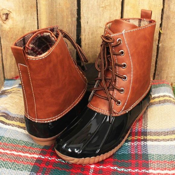 3d2ee57e30a0 Yoki Black   Brown Duck Boots (RUNS SMALL)
